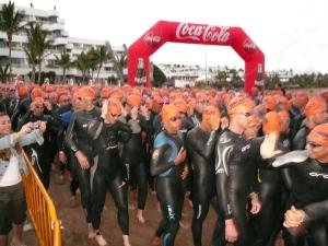 Los participantes se despiden... Van a dar la salida, faltan escasos segundos para las 07ºº h en Puerto del Carmen, Lanzarote