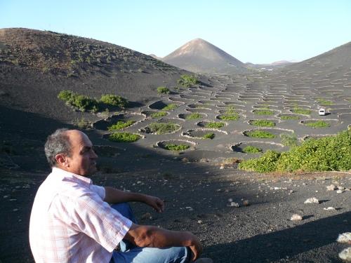 La belleza unica e irrepetible de la Naturaleza, en colaboración con el hombre: La Geria, Lanzarote.